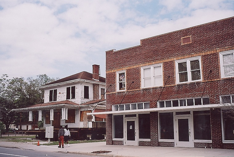 The Wells'Built: Rich Echoes of the Past on South Street
