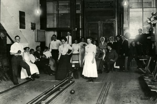 How They Rolled 100 Years Ago